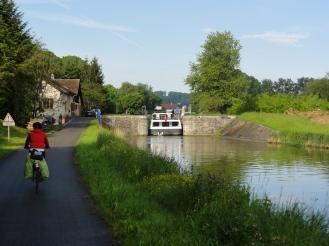 Weiter gehts am Kanal entlang